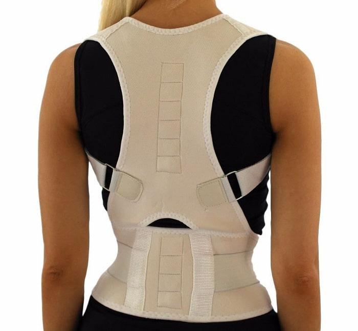استفاده از بریس درمانی برای شکستگی فشاری مهرههای صدری