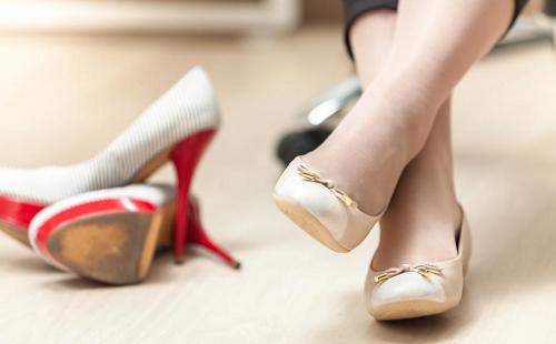 انتخاب کفش مناسب جهت پیشگیری و درمان کمردرد