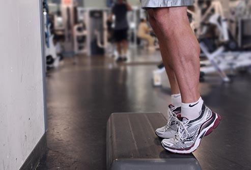 بالا رفتن روی ساق پا