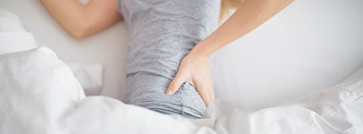 بهترین حالت خوابیدن برای کاهش کمر درد و درد پایین کمر در هنگام شب چیست