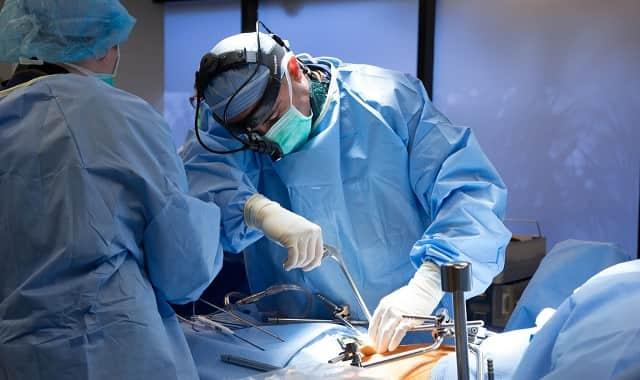 جراحی برای درمان کمر درد