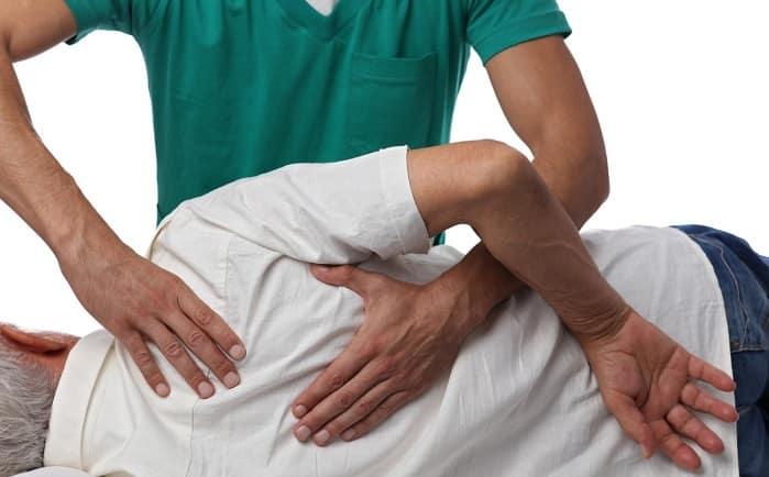 درمان دستی برای تسکین کمردرد و درد سیاتیک