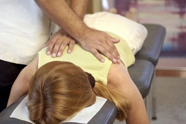 درمان دستی گودی کمر