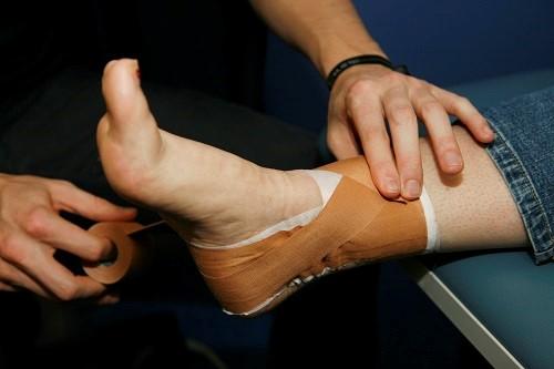 روش های درمانی درد مچ پا