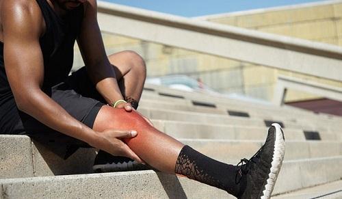 علل عقبزدگی زانو چیست