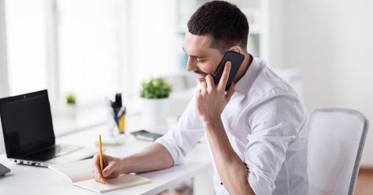 وضعیت بدن را در زمان صحبت کردن با تلفن اصلاح کنید