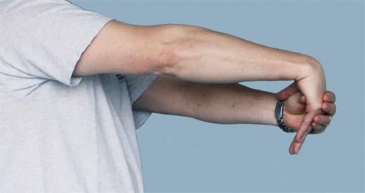 کشش عضله باز کننده مچ